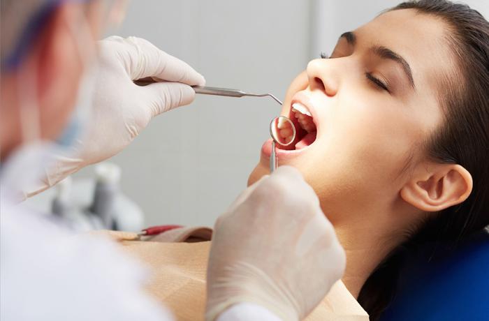 Лечение зубов по полису ОМС бесплатно